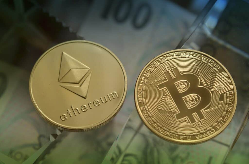 Eth vs BTC – Which One to Follow in 2022?